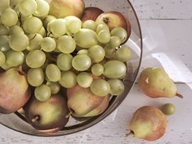 Olson Serving Bowl with Pears and Grapes