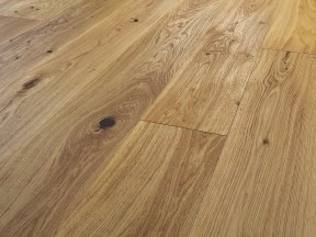 Rustic Solid Oak Flooring with Big Knots