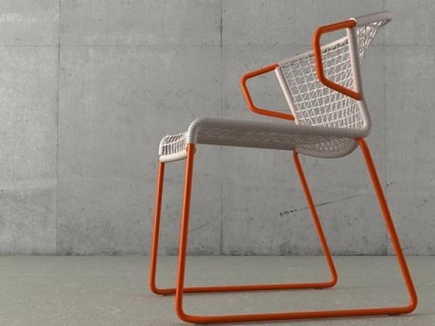V Chair 3