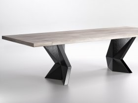 Kavante Viceroy Dining Table