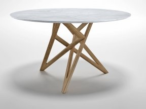Ennea Dining Table