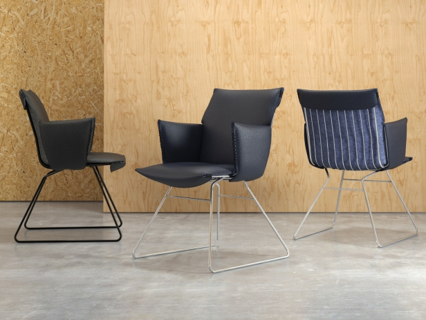 DS-515 Chair with Armrests 1